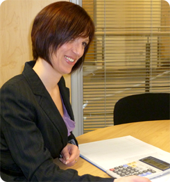 Service image of Rona working with a client